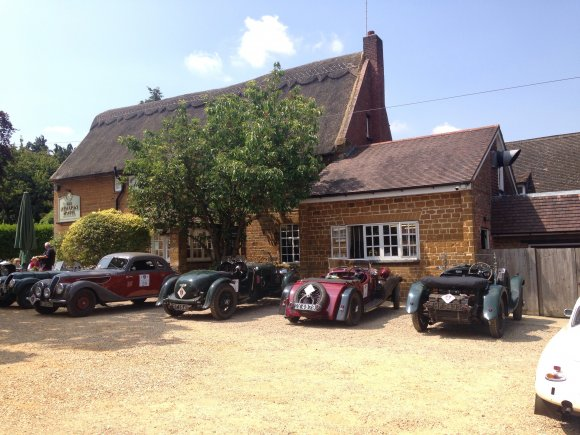 Vintage Cars at The Red Lion